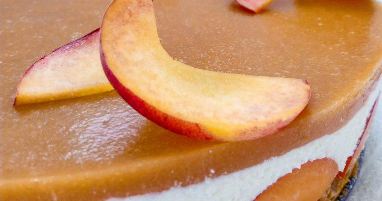 Cheesecake cu piersici şi caise