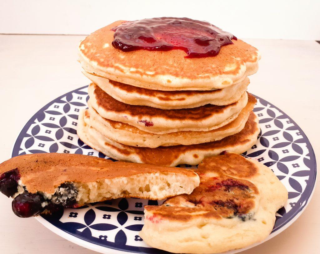 pancakes (clatite americane) cu afine