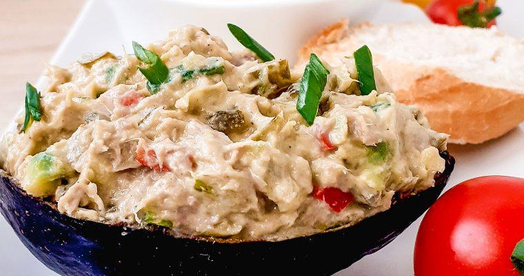 Salată de avocado cu ton