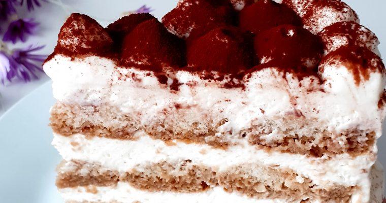 Tort Tiramisu cu smântână și mascarpone